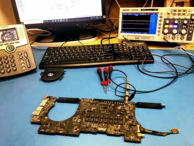 MacBook Pro Retina Mid-2014 backlight issues repair